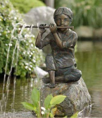 Bronzefigur | Sören | wasserspeiend